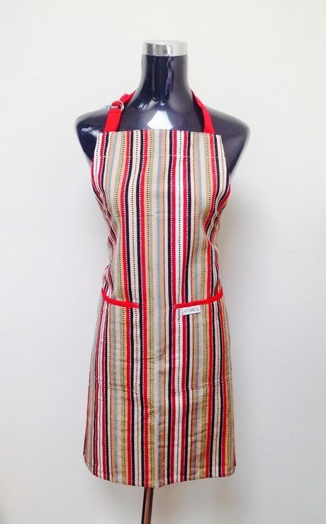 Buy the Sterck Apron Tanpoco Red online at smithsofloughton.com