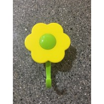 Buy the yellow Kuhn Rikon Kochblume Flower Hook Large Online at smithsofloughton.com